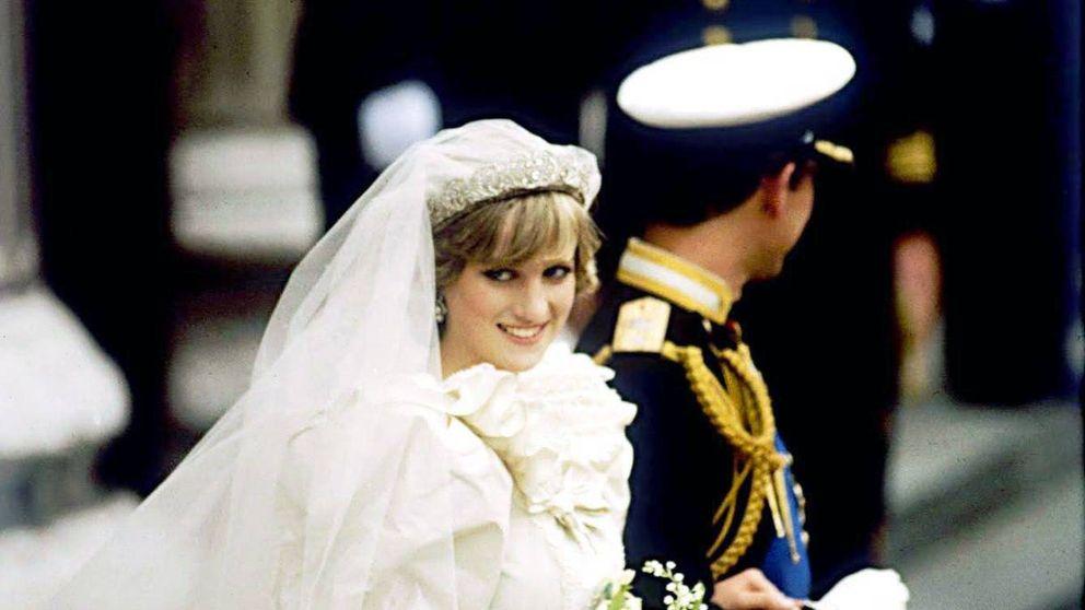 39 años de la boda del príncipe Carlos y Lady Di: los problemas que dio el vestido más icónico de la historia