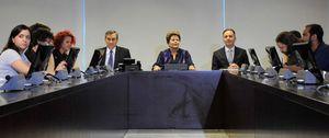 Dilma Rousseff escucha a los indignados y propone un plebiscito para la reforma política
