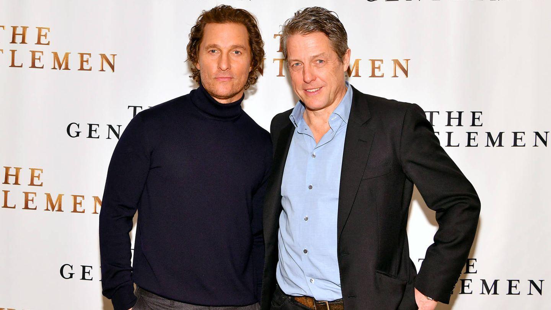 Matthew McConaughey y Hugh Grant. (Getty)