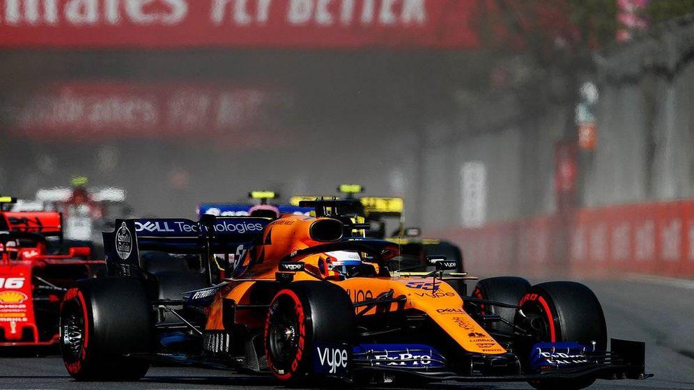 Foto: Carlos Sainz al volante del MCL34 en Bakú. (Foto: McLaren)
