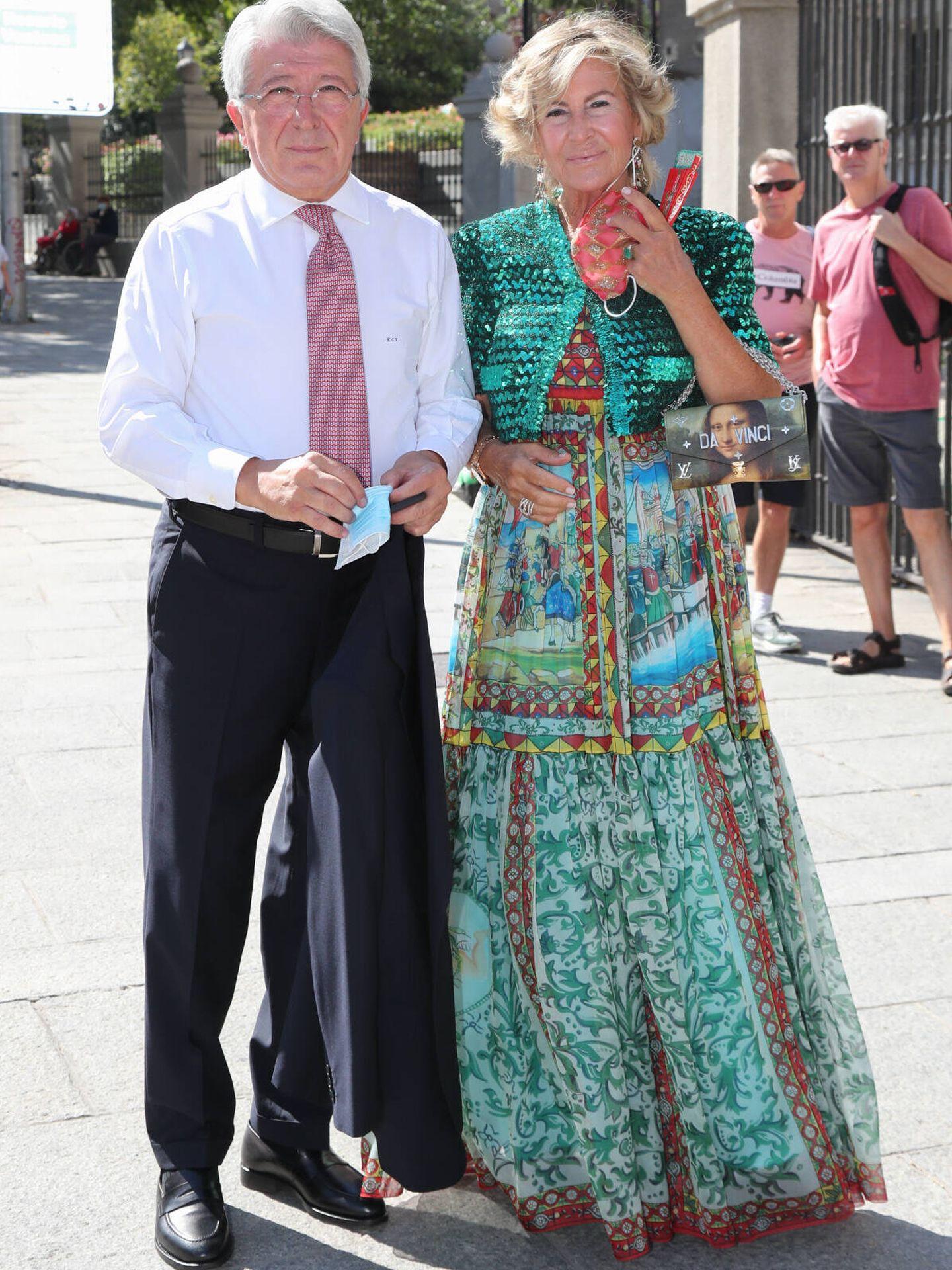 Enrique Cerezo y su mujer. (Gtres)