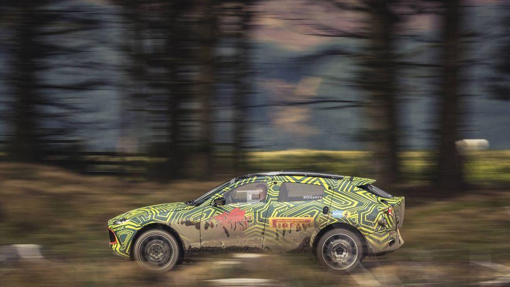 El primer todocamino de Aston Martin empieza a rodar en un rally