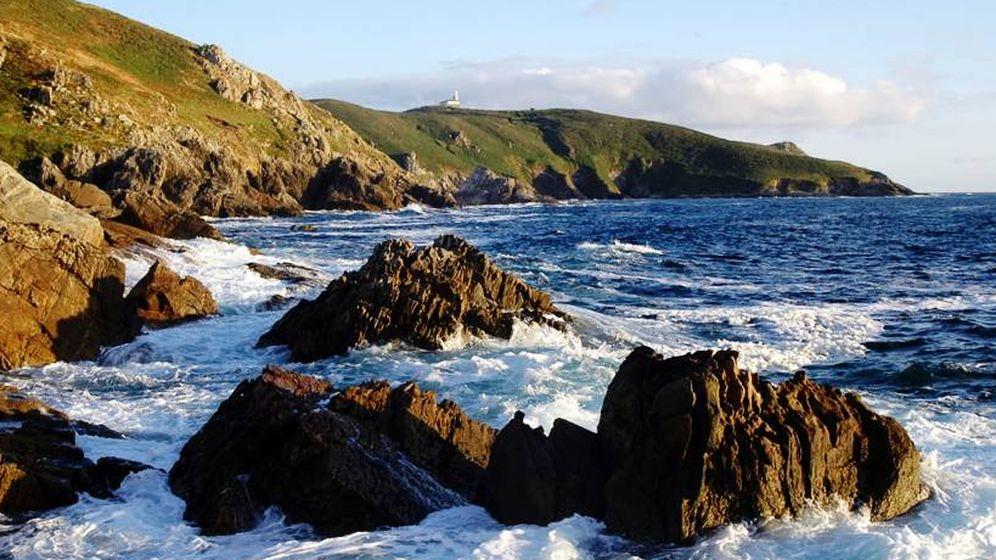 Foto: Acantilados en la Isla de Ons. (Parque Nacional de las Islás Atlánticas de Galicia)