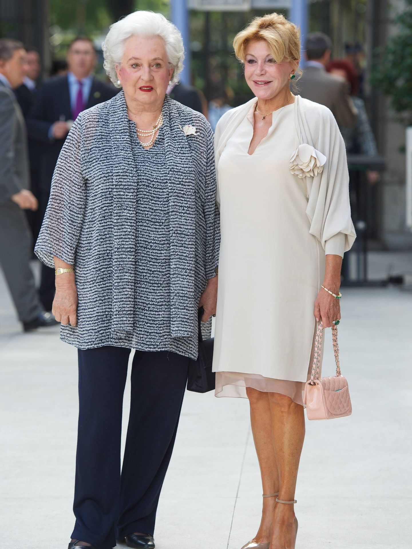 La infanta Pilar junto a Carmen Thyssen. (Getty)