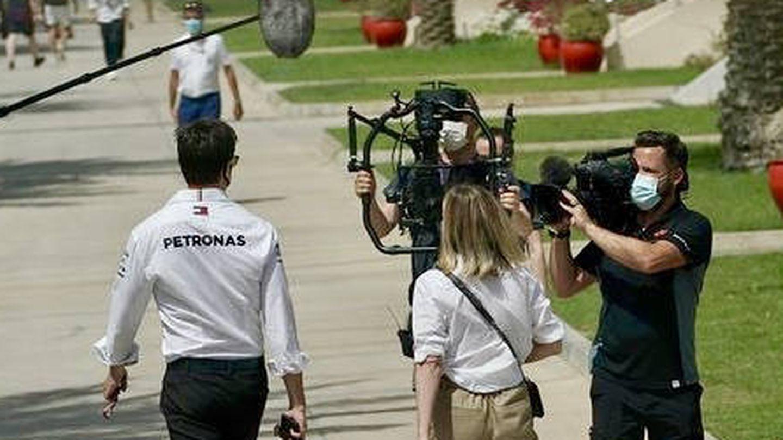 Tras comprobar el éxito de la primera temporada, Mercedes y Ferrari se unieron en la segunda y dieron acceso a los equipos de Netflix