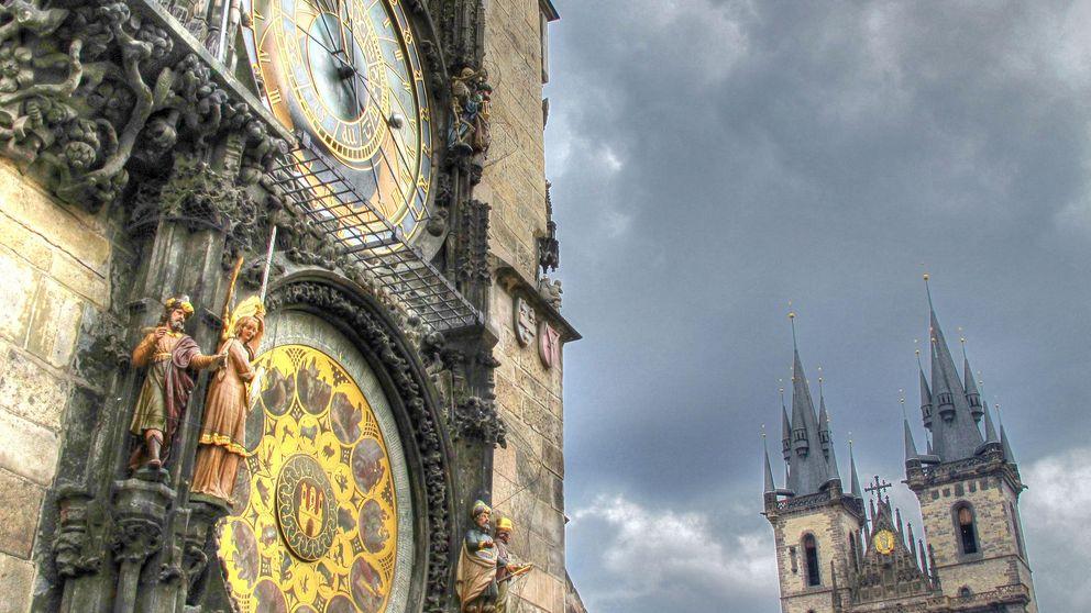 Reloj astronómico de Praga: una joya checa que cumple 605 años