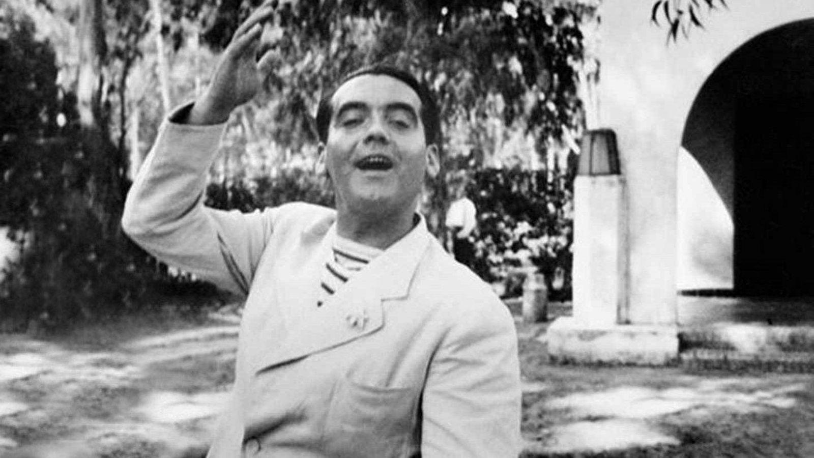 Casas de famosos: Federico García Lorca: su casa de veraneo en Nerja en venta por tres millones