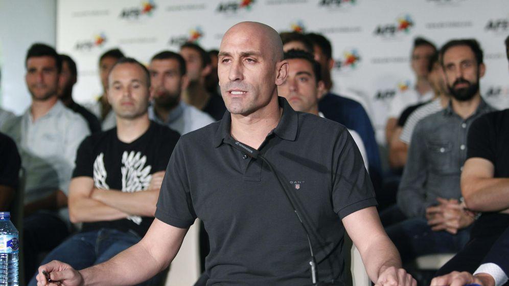 Foto: Luis Rubiales, durante una rueda de prensa en 2015. (EFE)