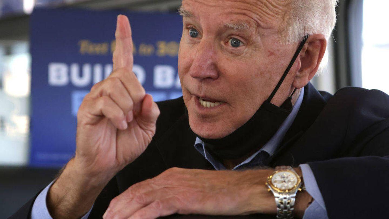 Detalle de las arrugas de frente y contorno de ojos, así como de las manchas de la piel de Joe Biden. (Getty)
