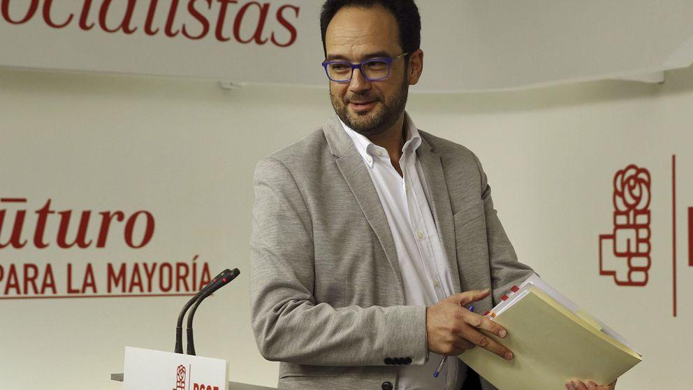 El PSOE ve posible pactar con Iglesias si no se empeña en sillones y consulta