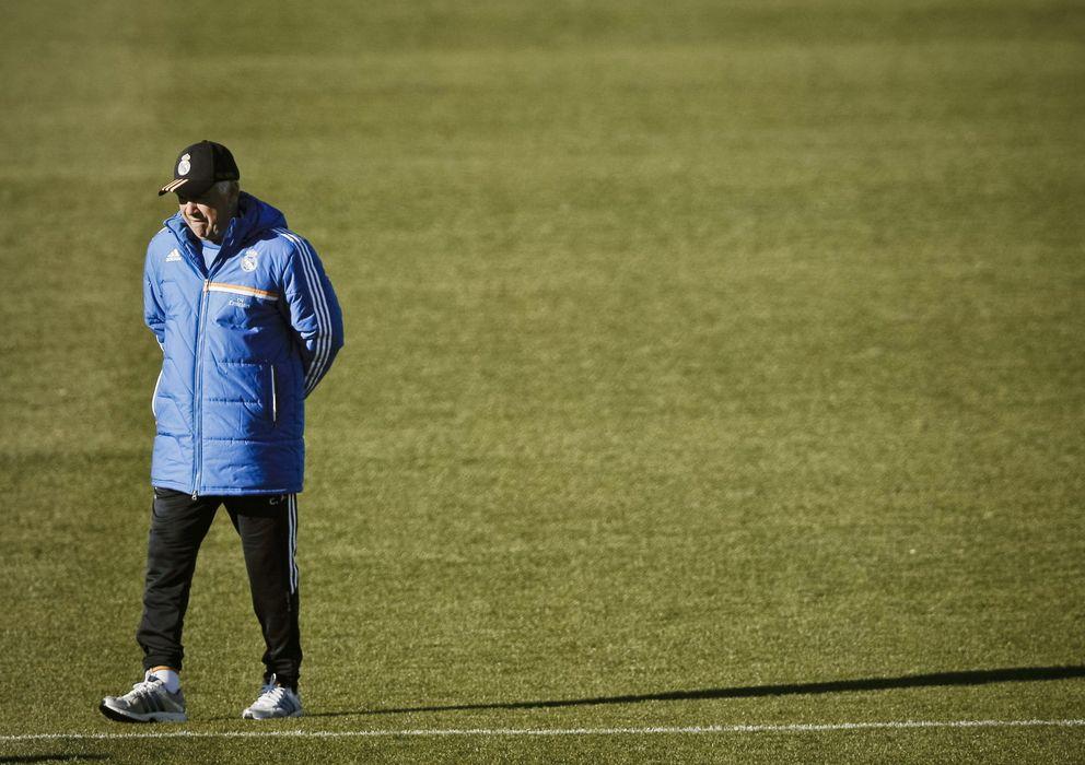 Foto: Carlo Ancelotti, durante un entrenamiento del Real Madrid.