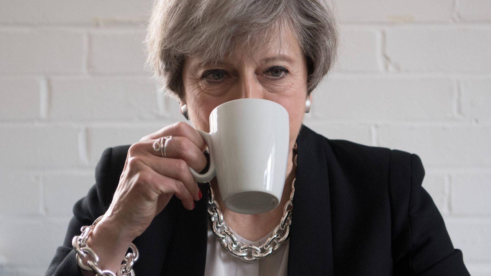 Foto: La primera ministra británica Theresa May durante un evento caritativo en Londres. (Reuters)