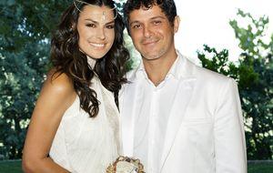 Alejandro Sanz su segundo con su mujer Raquel Perera