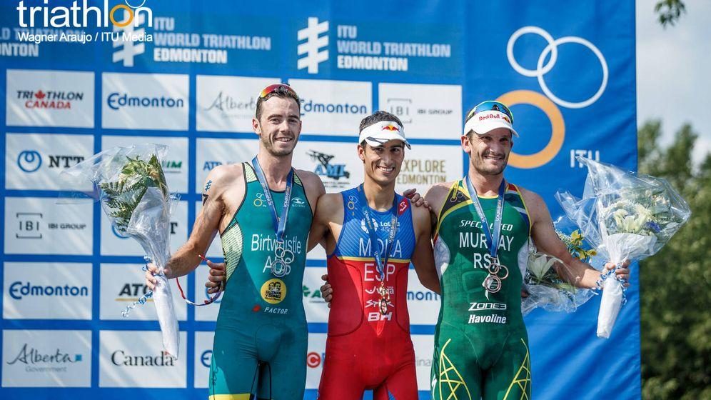 Foto: El podio de las Series Mundiales de Edmonton, con Mario Mola como ganador. (ITU media)