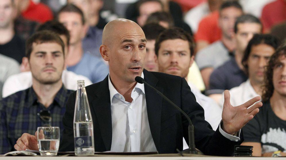 Foto: Luis Rubiales, presidente de la AFE, durante un acto en el que se anunció la convocatoria de una huelga. (EFE)