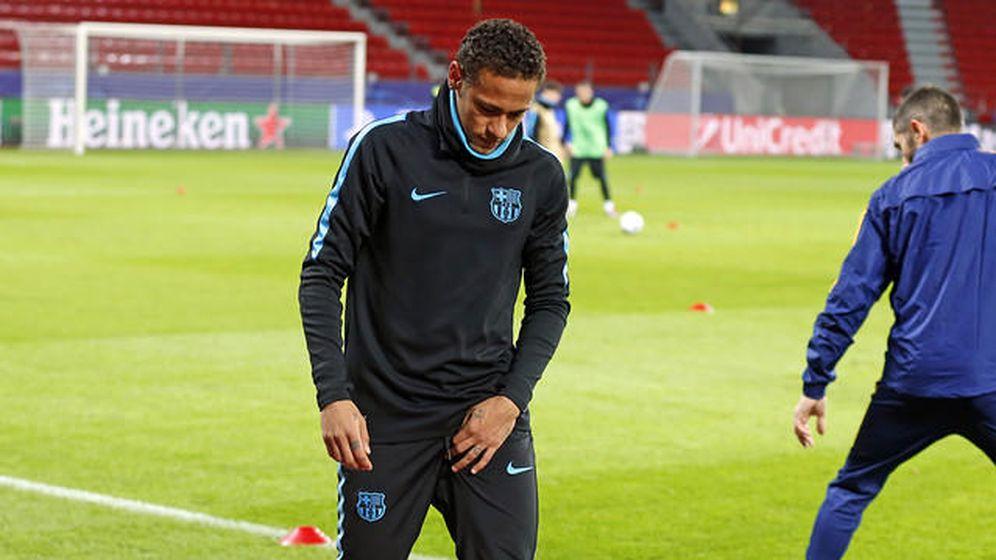 Foto: Neymar se retira del entrenamiento (FC Barcelona)