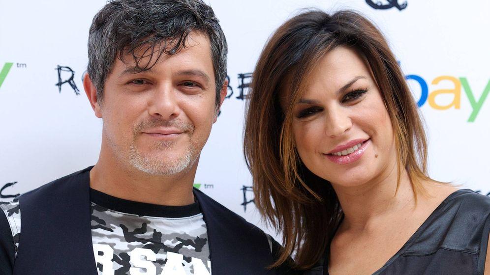 Foto: Alejandro Sanz y Raquel Perera, en una imagen de archivo. (EFE)
