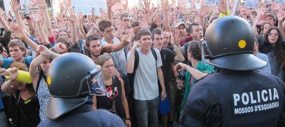 Foto: Asedio al parlamento catalán el 11 de junio de 2011. (EP)