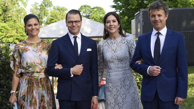 Los dos matrimonios royal, en una imagen de archivo. (EFE)
