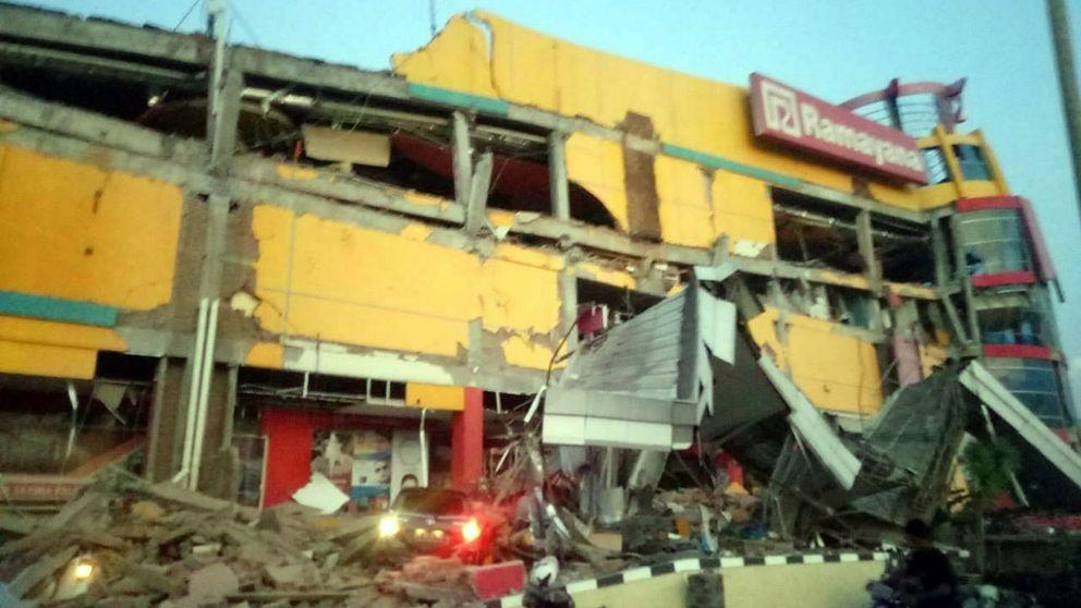 Varios muertos por un tsunami y un terremoto de 7,5 grados en Indonesia