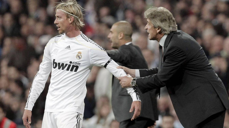 Foto: Guti, con Manuel Pellegrini, en una imagen de 2010. (Reuters)