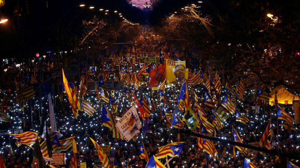 Foto: Imagen de la marcha contra la causa del 1-O en Barcelona. (Reuters)