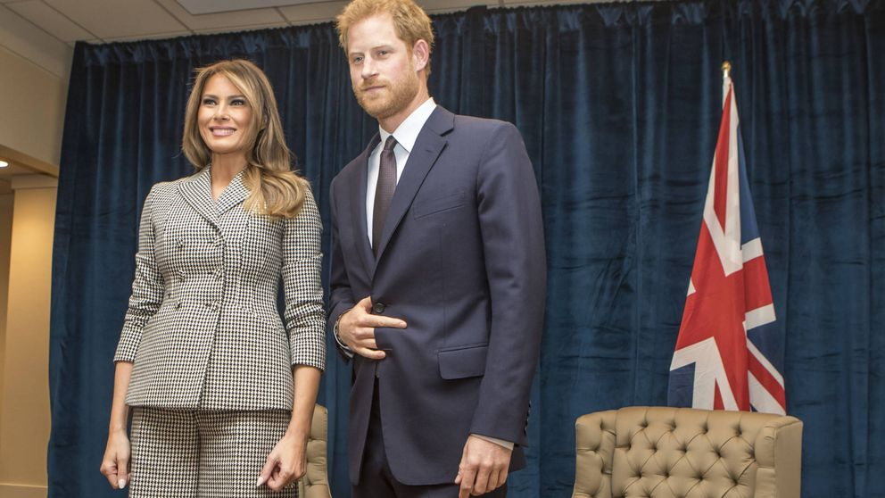 El raro gesto del príncipe Harry en su cita con Melania: El cuerno del diablo
