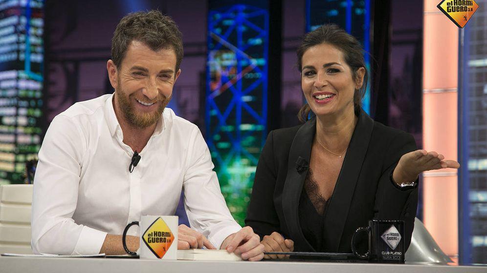Foto: Pablo Motos y Nuria Roca se pican en 'El Hormiguero'. (Antena 3)