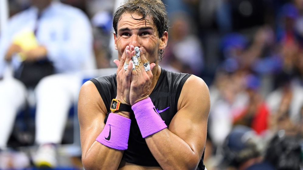 Foto: Rafa Nadal no pudo reprimir las lágrimas al ganar la final del US Open a Medvedev. (EFE)
