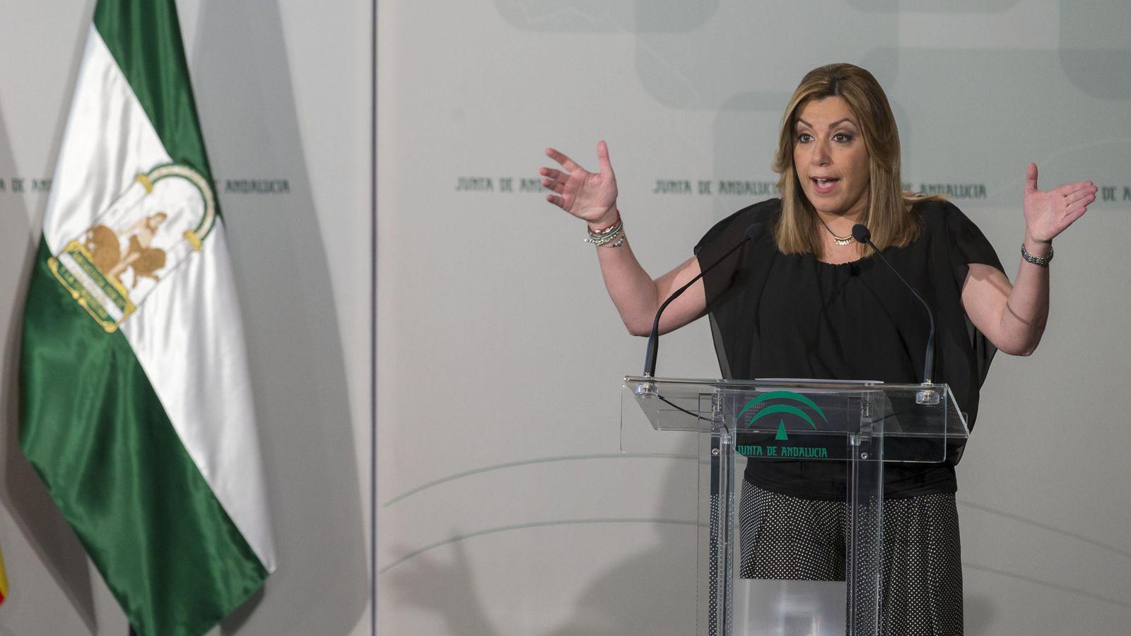 Foto: Susana Díaz, durante la entrega a 58 deportistas y técnicos de las ayudas del Plan Andalucía Olímpica, este 1 de julio en Sevilla. (EFE)