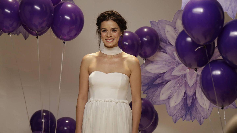 El personaje de Bahar, interpretado por la actriz Özge Özpirinçci. (Fox)