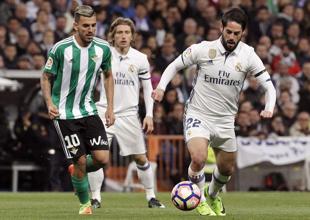 Foto: Dani Ceballos, durante un partido entre Real Madrid y Betis. (EFE)