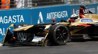 La Fórmula E se pone caliente: Besó mis ruedas traseras, debe ser que le gusto