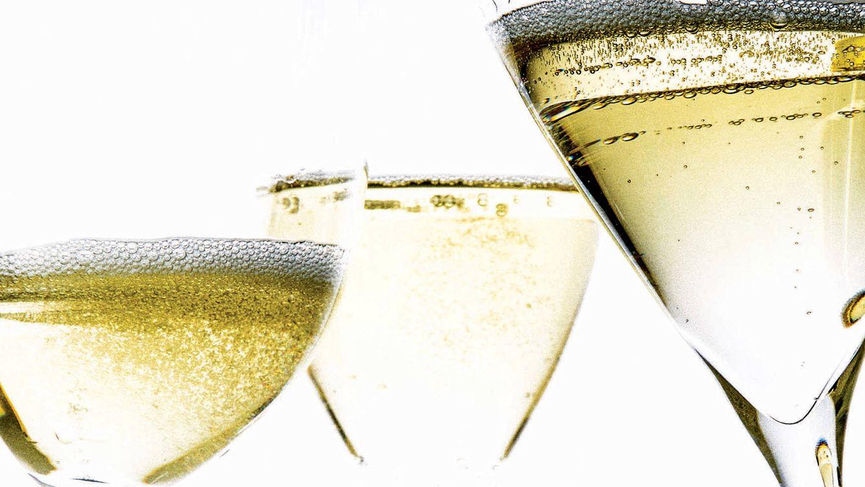 Foto: Pasos fundamentales para disfrutar de un buen champagne.