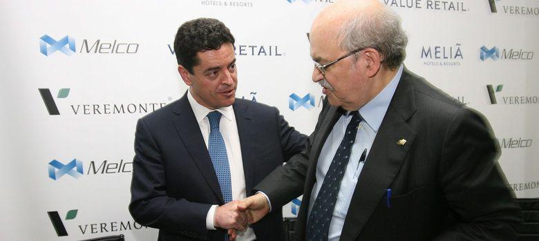 Foto: l presidente de Veremonte, Enrique Bañuelos (i), junto al conseller de Economia, Andreu Mas Colell (Efe)