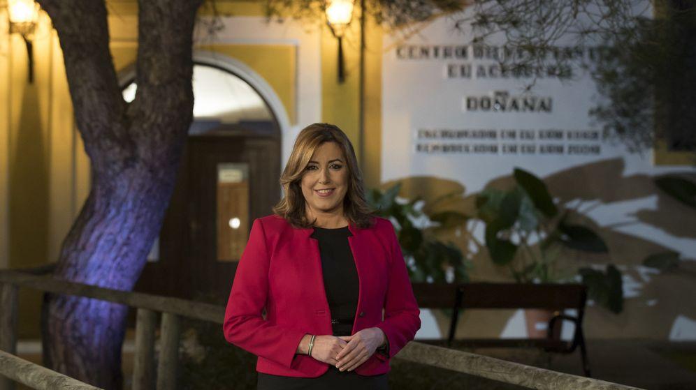 Foto: La presidenta de la Junta de Andalucía, Susana Díaz, durante la grabación del tradicional mensaje de Fin de Año a los andaluces. (EFE)
