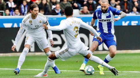 El corte de mangas de Aleix Vidal delante de Sergio Ramos en el Alavés - Real Madrid