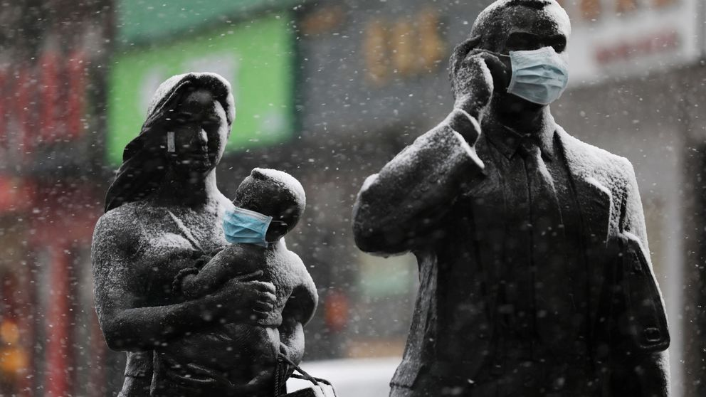 China expulsa a tres periodistas del WSJ por un artículo crítico con el coronavirus