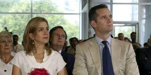 Foto: Urdangarín y la infanta Cristina, expatriados de lujo: más de un millón al año, casa y colegios