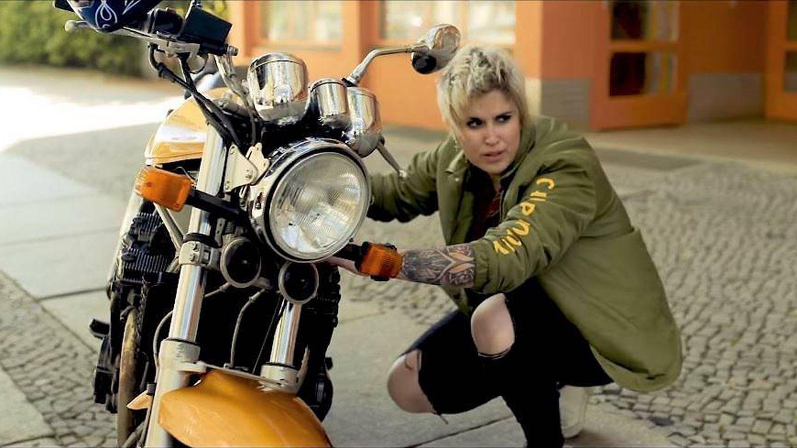 Foto: Fotograma del videoclip de 'One More River'