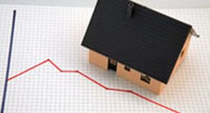 La compraventa de viviendas suaviza su caída en julio un 20,3% gracias a los inmuebles nuevos