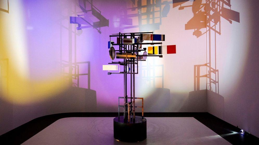 Foto: La inteligencia artificial reivindica en París su capacidad artística. (EFE)