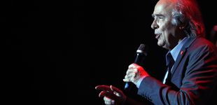 Post de Serrat urge a dialogar a Puigdemont y Rajoy: