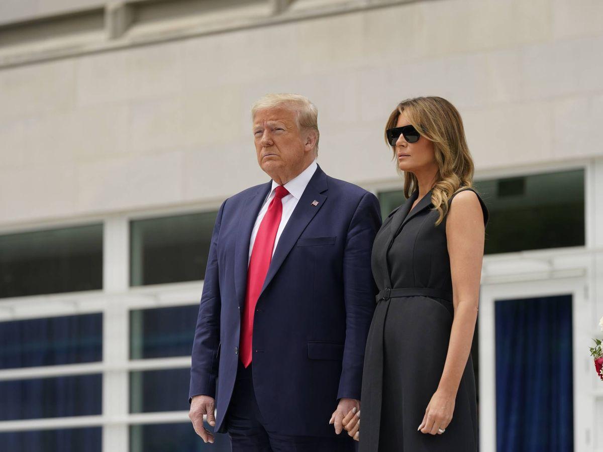 Foto: Donald y Melania Trump, instantes antes de su viral sonrisa. (EFE)