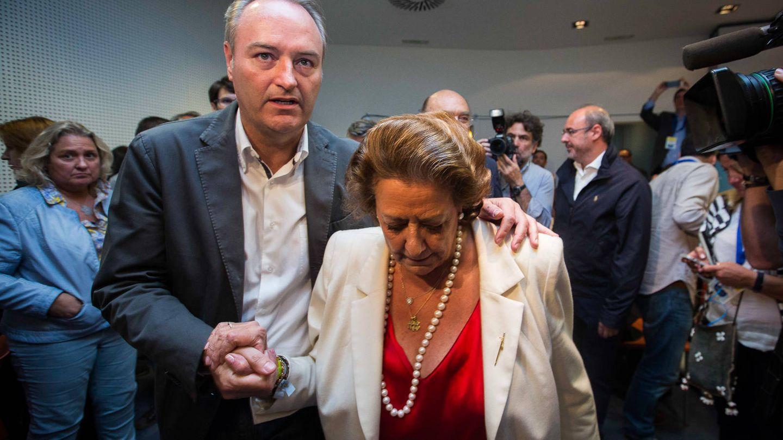 Fabra y Barberá, la noche electoral del 24-M de 2015, cuando perdieron Generalitat y alcaldía. (Biel Aliño)