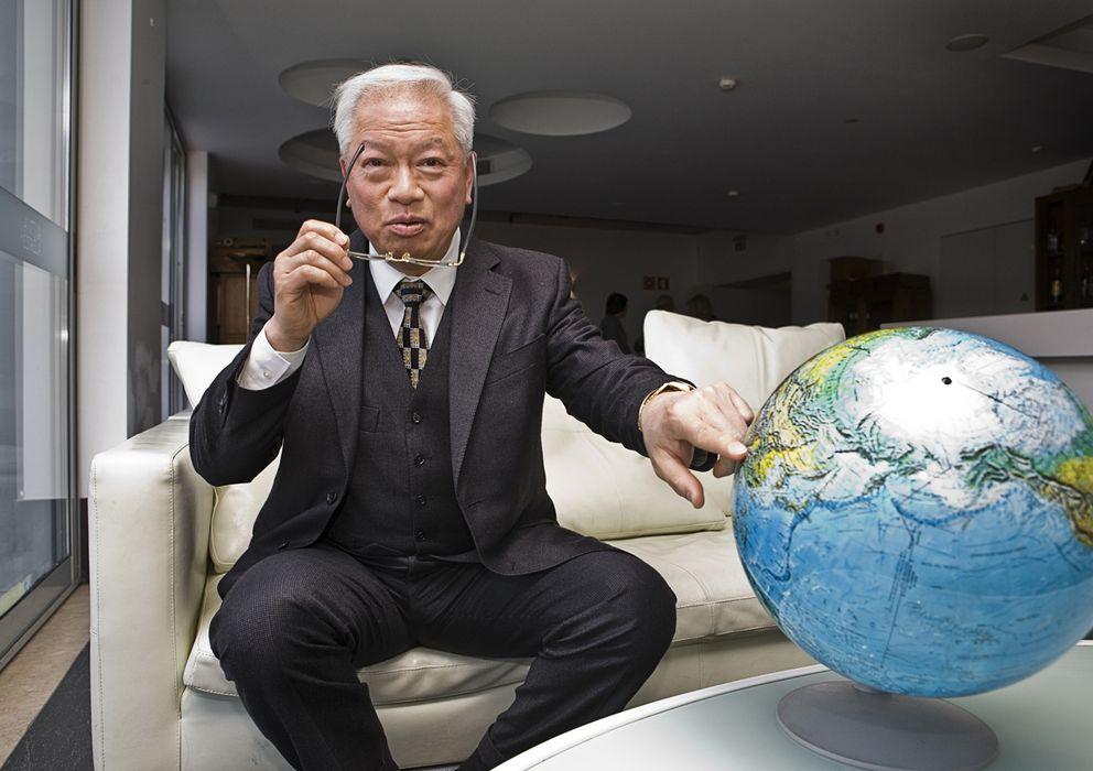 Foto: Choi Man Hin, el asiático más influyente de Portugal, durante la entrevista con 'El Confidencial'. (J. Marcos)