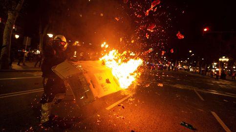 Disturbios en el centro de Barcelona en el segundo día de protestas por la sentencia