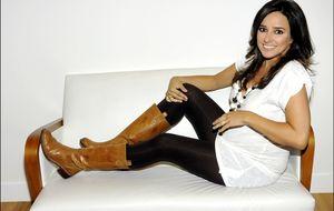 La presentadora Carmen Alcayde, madre por tercera vez