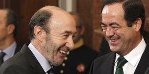 Bono y Rubalcaba urden la candidatura de García-Page para debilitar a Chacón