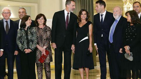 Rubén Amón recibe el Premio Francisco Cerecedo de manos de los Reyes